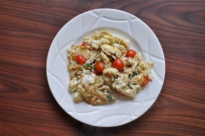 Scrambled Eggs, Tomato amd Basil